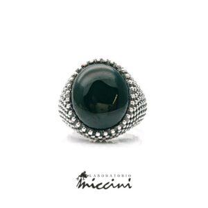 anello da uomo con onice ovale in argento 925 puntinato