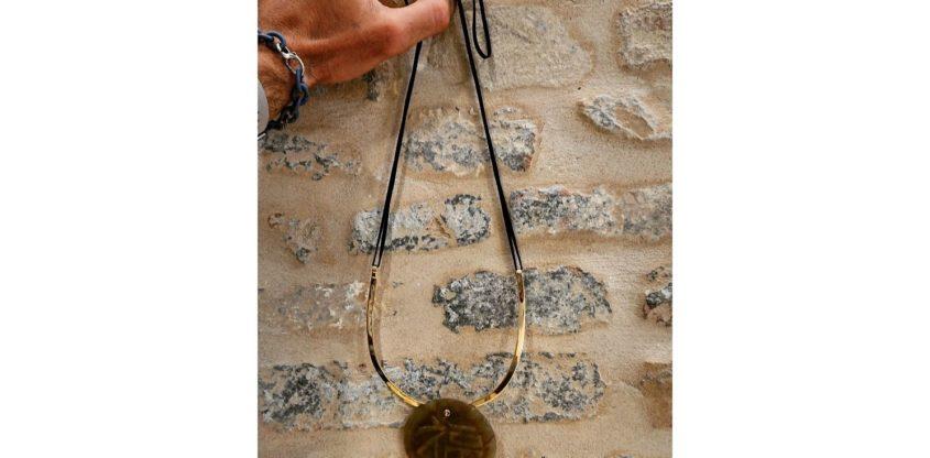Collana lunga con giada argento e corda
