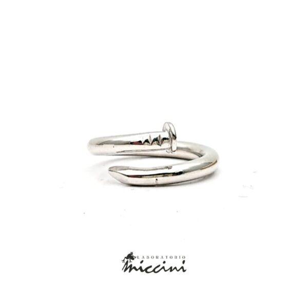 Anello a forma di Chiodo in argento