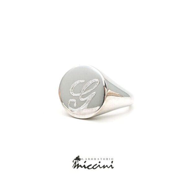 Anello chevalier da mignolo in argento con iniziale G incisa