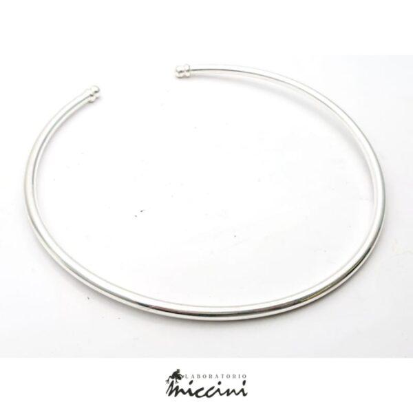 Girocollo rigido a tubo in argento