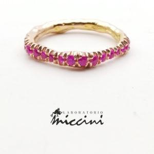 anello oro rosa e rubini