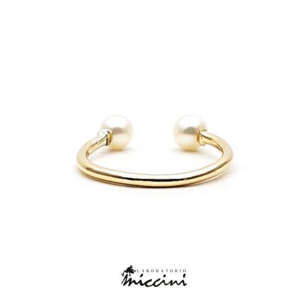 Anello aperto in oro giallo con 2 perle