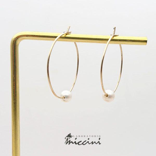 Cerchi in oro giallo con perla