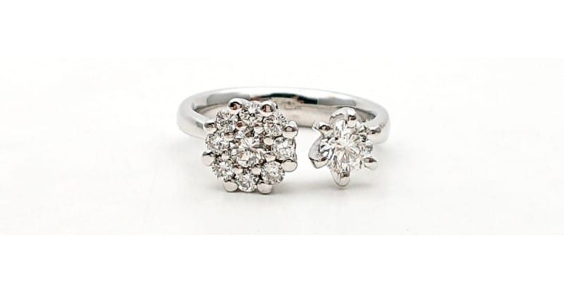 Anello aperto con diamanti