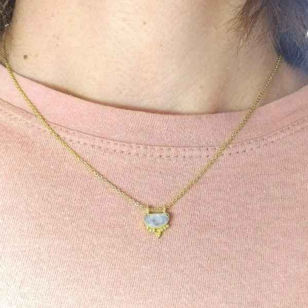 Collana boho-chic con labradorite in argento dorato