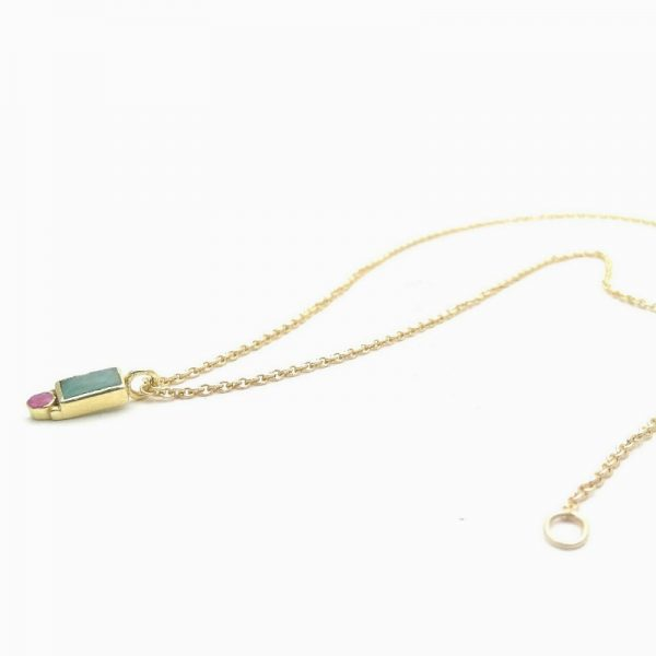 Collana con amazzonite e rubino in argento dorato