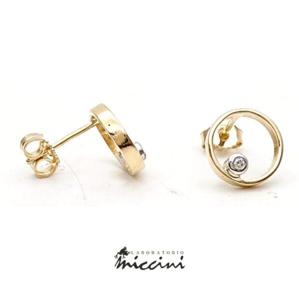 Orecchini cerchi con diamanti in oro giallo