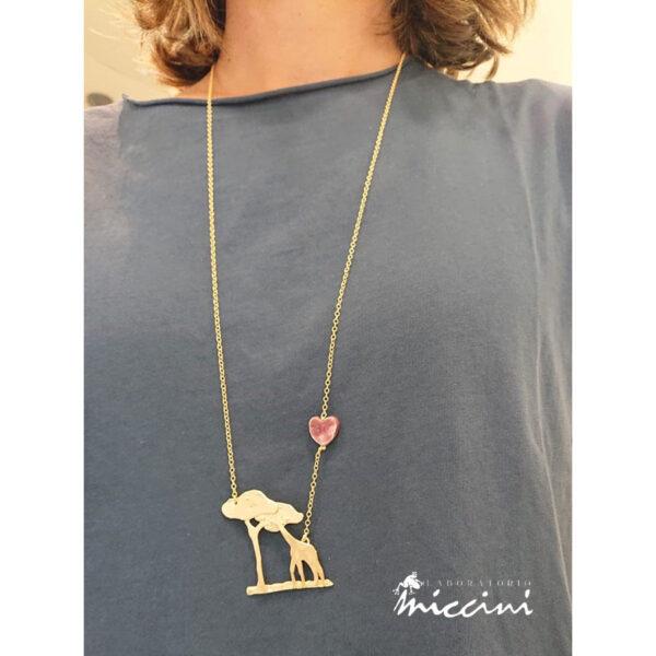 collana in ottone con giraffa
