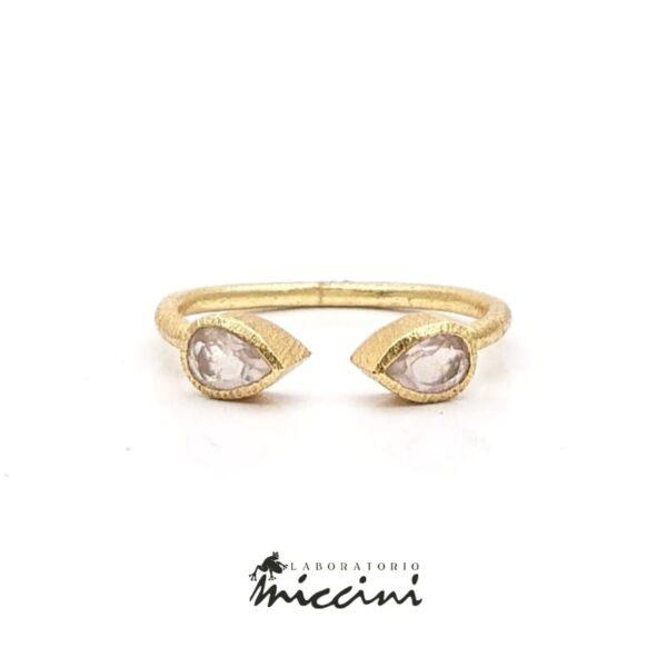 Anello piercing con quarzo rosa a goccia