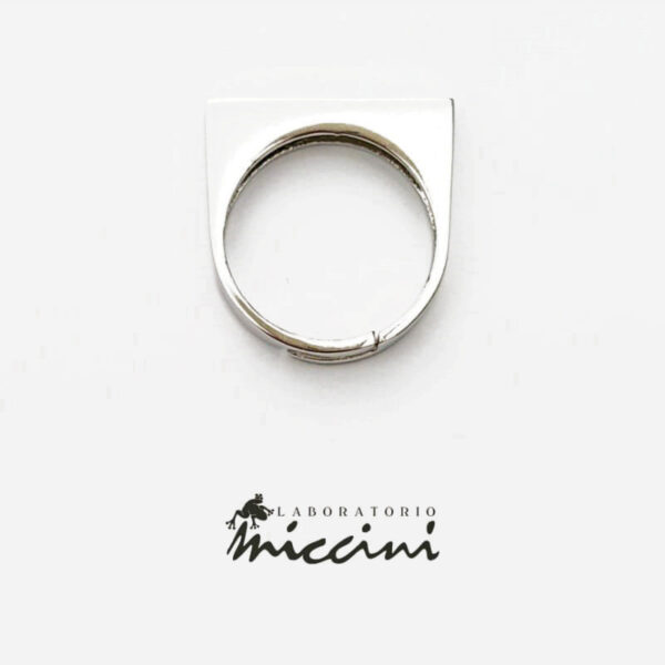 anello chevalier sottile con incisione