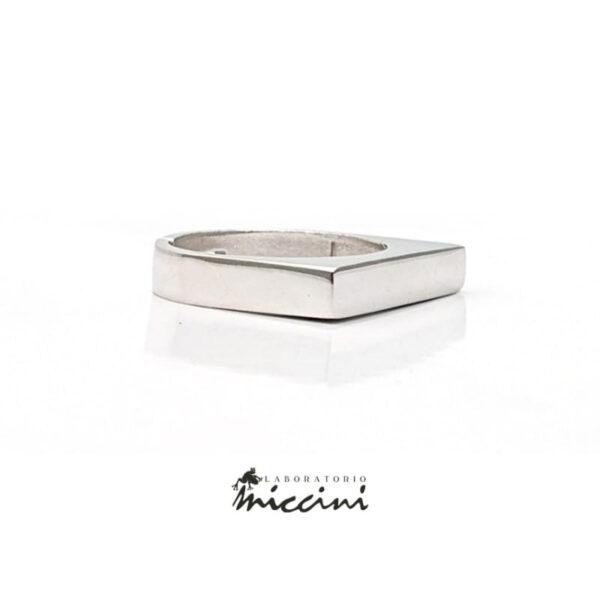 anello chevalier sottile rettangolare