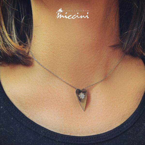 collana in argento con cuore e zirconi