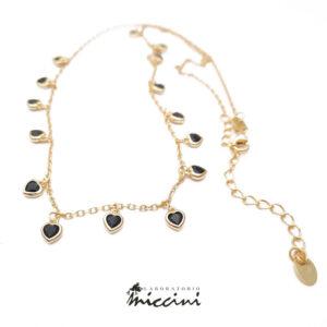collana girocollo con cuori in argento dorato e zirconi