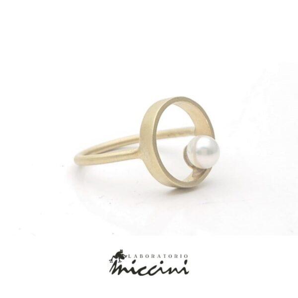 anello cerchio e perla