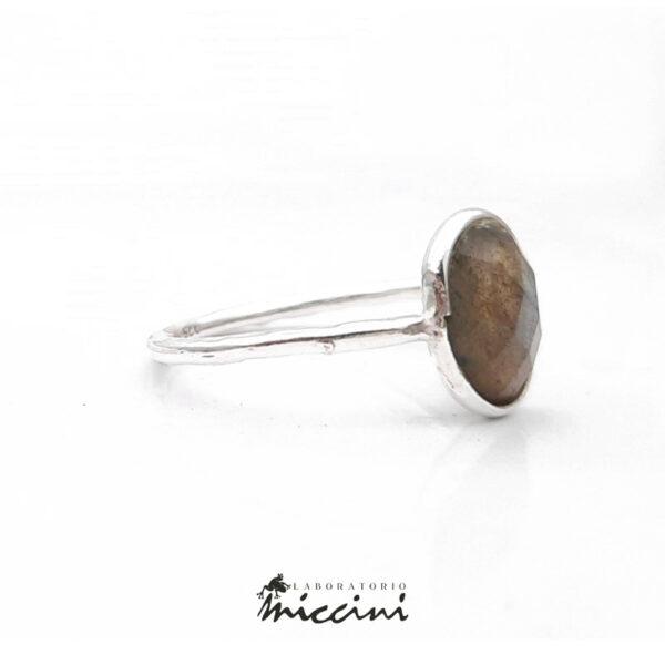 anello in argento 925 con pietra labradorite ovale