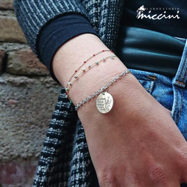 bracciale in maglia forzatina con ciondolo inciso dedicato all'amicizia