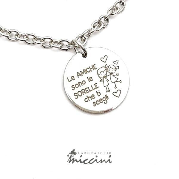 bracciale in argento con incisione dedicata alle amiche