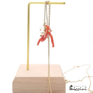 collana lunga in argento dorato con coralli, perla, agata e quarzo