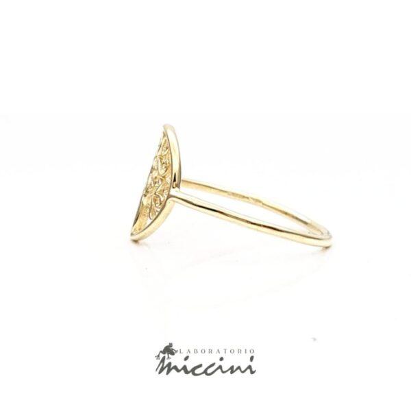 anello in oro giallo a forma di albero della vita
