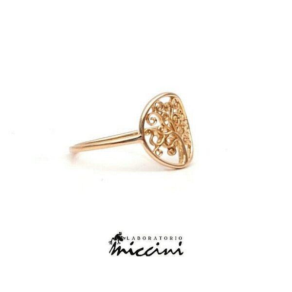 anello a forma di albero della vita in oro rosa