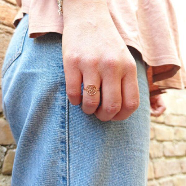 anello in oro con albero della vita