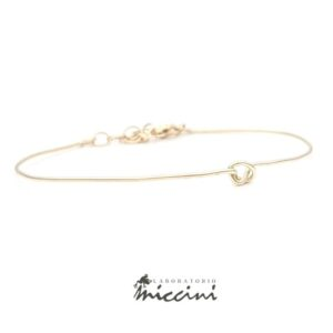 bracciale con nodo in oro