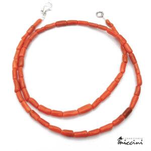 collana di tubetti di corallo rosso